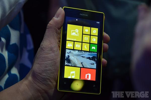 """Lumia 520 và 720: Giá quá rẻ mà lại """"chất"""" 2"""