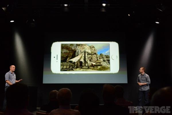 """Toàn cảnh buổi ra mắt """"sản phẩm hot nhất năm"""" iPhone 5s và iPhone 5c 60"""