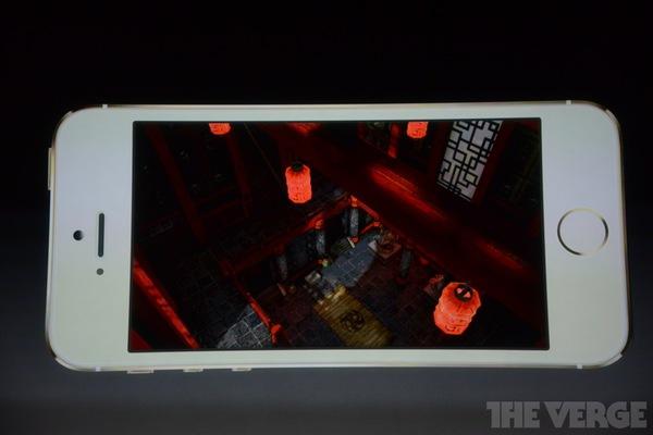 """Toàn cảnh buổi ra mắt """"sản phẩm hot nhất năm"""" iPhone 5s và iPhone 5c 61"""