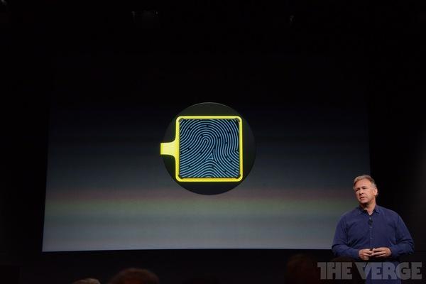 """Toàn cảnh buổi ra mắt """"sản phẩm hot nhất năm"""" iPhone 5s và iPhone 5c 80"""