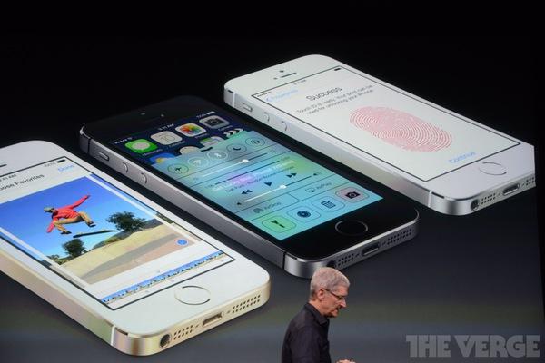 """Toàn cảnh buổi ra mắt """"sản phẩm hot nhất năm"""" iPhone 5s và iPhone 5c 94"""