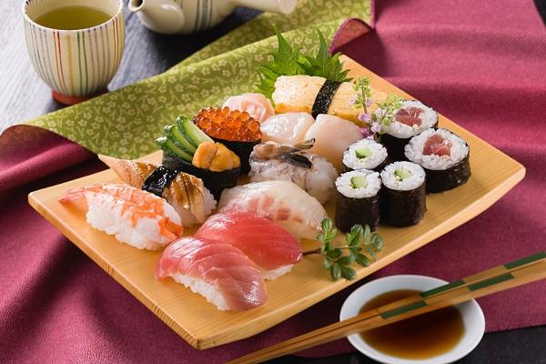"""Những lợi ích """"không tưởng"""" khi ăn sushi 3"""