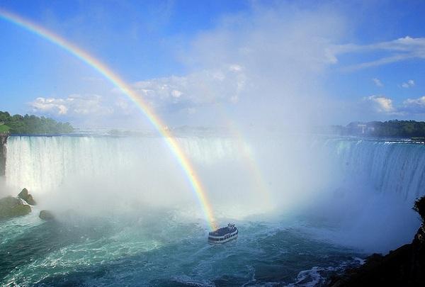 7 địa điểm tự tử nổi tiếng nhất thế giới 9