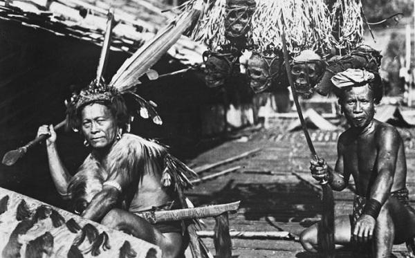 Thăm bộ tộc xăm mình đi săn đầu người thời xưa 5