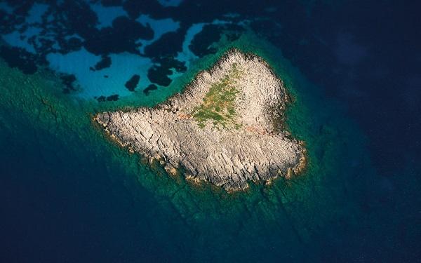 Du lịch tới những hòn đảo hình trái tim lãng mạn 2