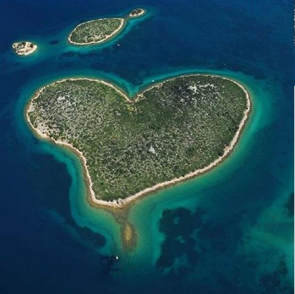 Du lịch tới những hòn đảo hình trái tim lãng mạn 12