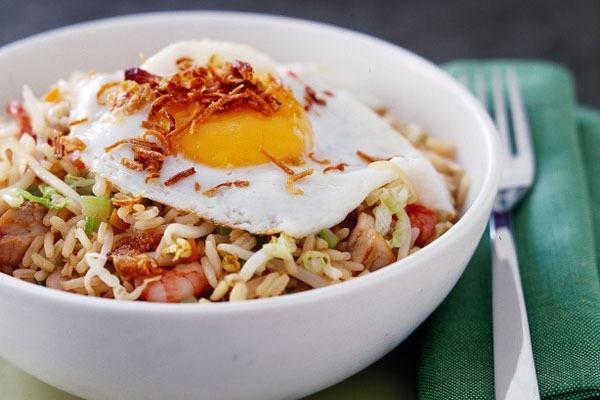 Công thức cơm rang đặc biệt của Indonesia 10