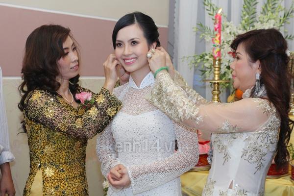 Những đám cưới hoành tráng của các hot girl Việt 99