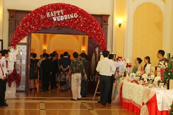 Những đám cưới hoành tráng của các hot girl Việt 112