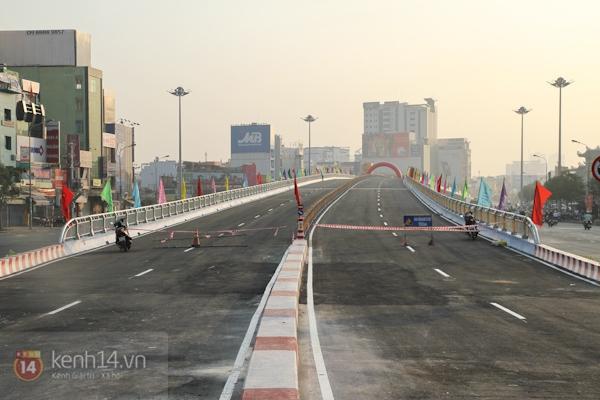 Toàn cảnh lễ thông xe cầu vượt thép đầu tiên tại TPHCM 11