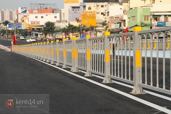 Toàn cảnh lễ thông xe cầu vượt thép đầu tiên tại TPHCM 13