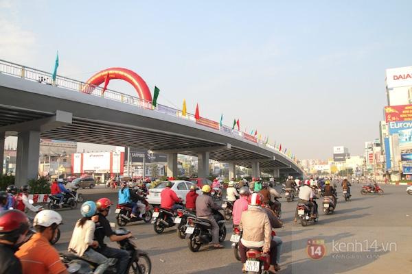 Toàn cảnh lễ thông xe cầu vượt thép đầu tiên tại TPHCM 21