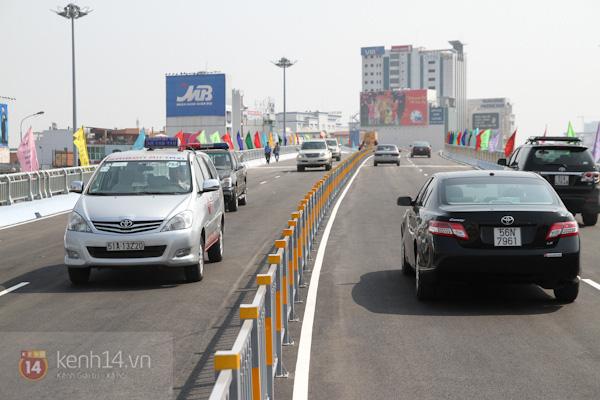 Toàn cảnh lễ thông xe cầu vượt thép đầu tiên tại TPHCM 28