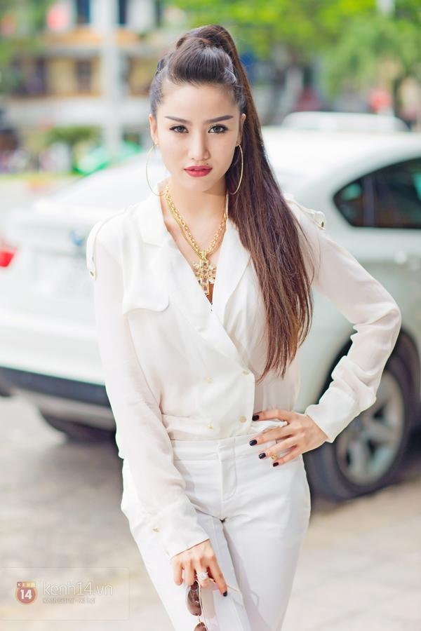 """""""Hot girl số 1 Sài Thành"""" khoe vẻ đẹp mặn mà của gái một con 4"""