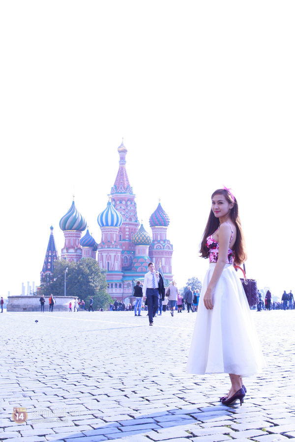 """Chùm ảnh: Dàn hot girl """"đọ"""" sắc với Thủy Tiên trên nước Nga 5"""