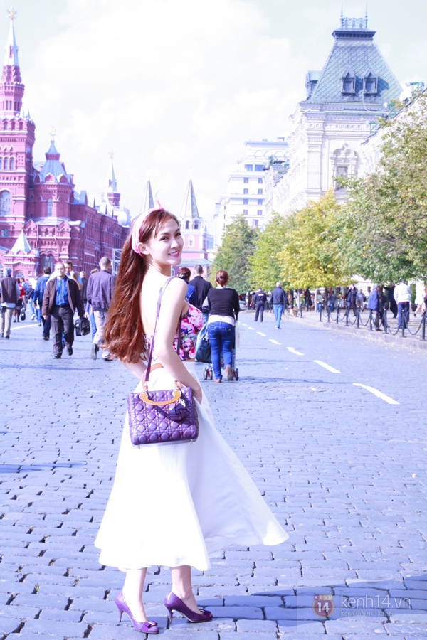 """Chùm ảnh: Dàn hot girl """"đọ"""" sắc với Thủy Tiên trên nước Nga 6"""