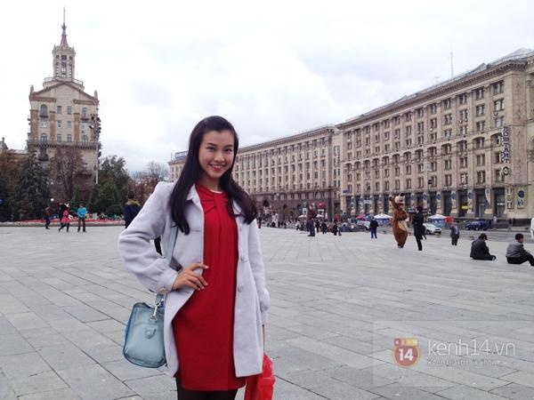 """Chùm ảnh: Dàn hot girl """"đọ"""" sắc với Thủy Tiên trên nước Nga 23"""