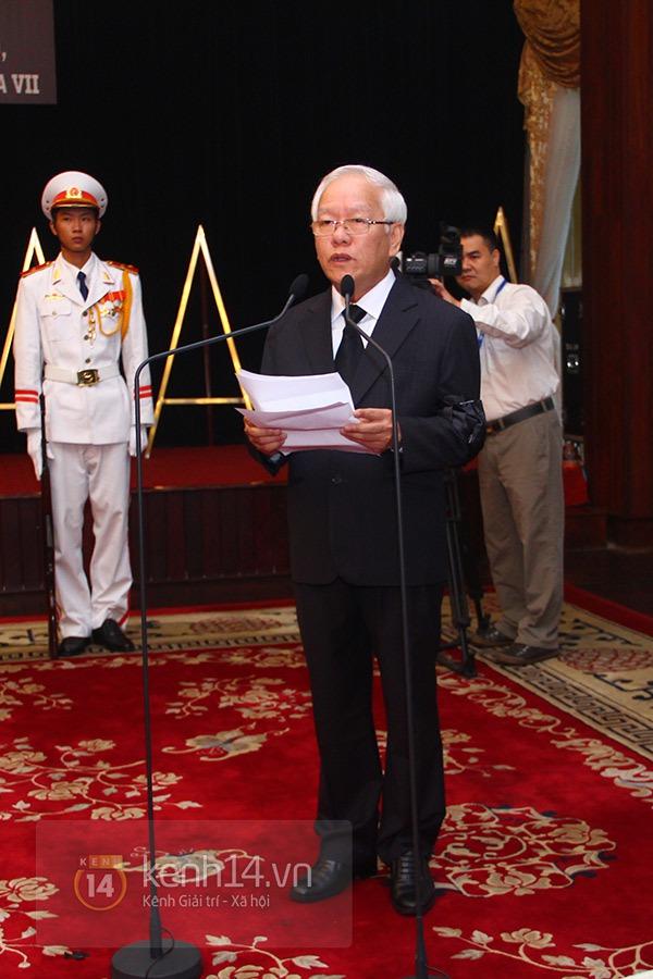TP.HCM: Không khí trang nghiêm và đầy cảm động trong lễ viếng Đại tướng 28