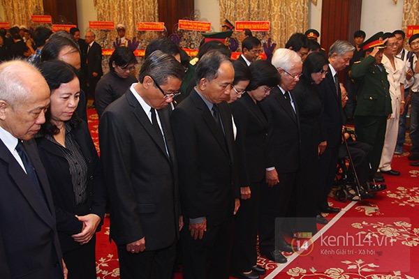 TP.HCM: Không khí trang nghiêm và đầy cảm động trong lễ viếng Đại tướng 30