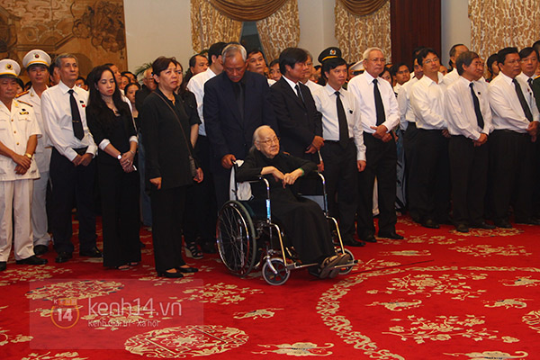 TP.HCM: Không khí trang nghiêm và đầy cảm động trong lễ viếng Đại tướng 33