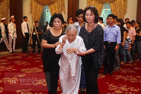 TP.HCM: Không khí trang nghiêm và đầy cảm động trong lễ viếng Đại tướng 38
