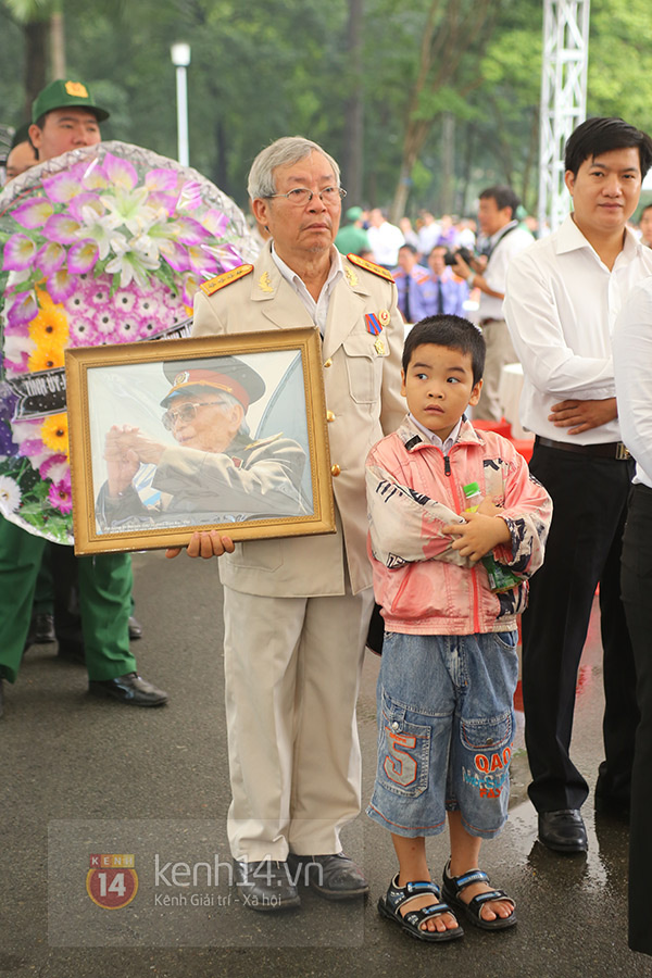 TP.HCM: Không khí trang nghiêm và đầy cảm động trong lễ viếng Đại tướng 41