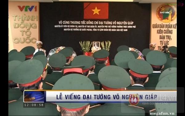 Hết giờ Lễ viếng Quốc tang, nhiều người dân vẫn xếp hàng vào viếng Đại tướng 157