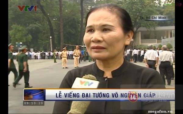 Hết giờ Lễ viếng Quốc tang, nhiều người dân vẫn xếp hàng vào viếng Đại tướng 53