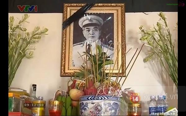 Hết giờ Lễ viếng Quốc tang, nhiều người dân vẫn xếp hàng vào viếng Đại tướng 48