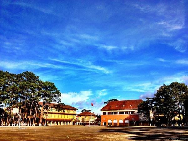 Cận cảnh ngôi trường thu hút khách du lịch nhất ở Đà Lạt 21