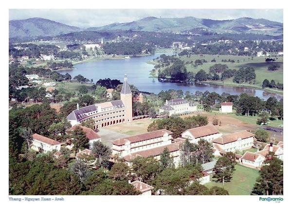 Cận cảnh ngôi trường thu hút khách du lịch nhất ở Đà Lạt 23