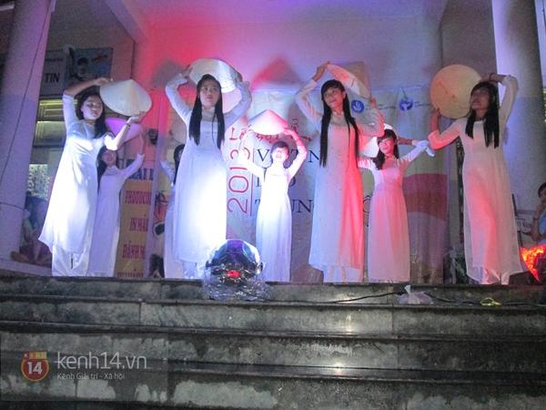 Buổi giao lưu văn hóa giữa trời mưa bão của sinh viên Đà Nẵng 10