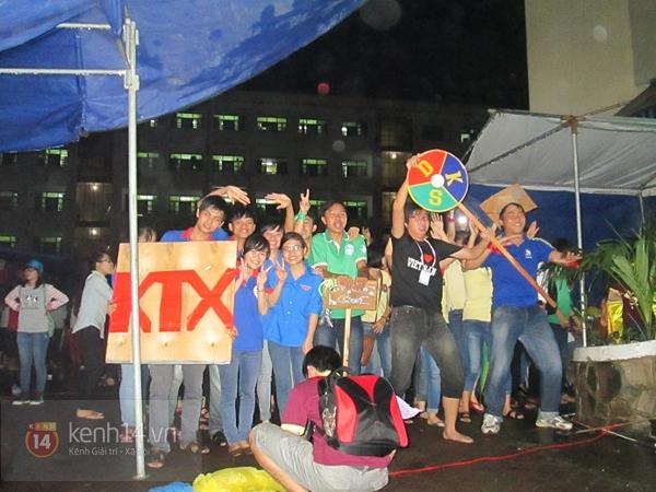 Buổi giao lưu văn hóa giữa trời mưa bão của sinh viên Đà Nẵng 13