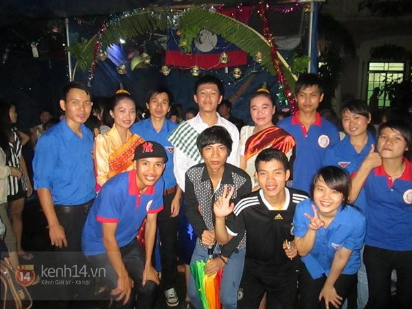 Buổi giao lưu văn hóa giữa trời mưa bão của sinh viên Đà Nẵng 14