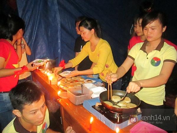 Buổi giao lưu văn hóa giữa trời mưa bão của sinh viên Đà Nẵng 4
