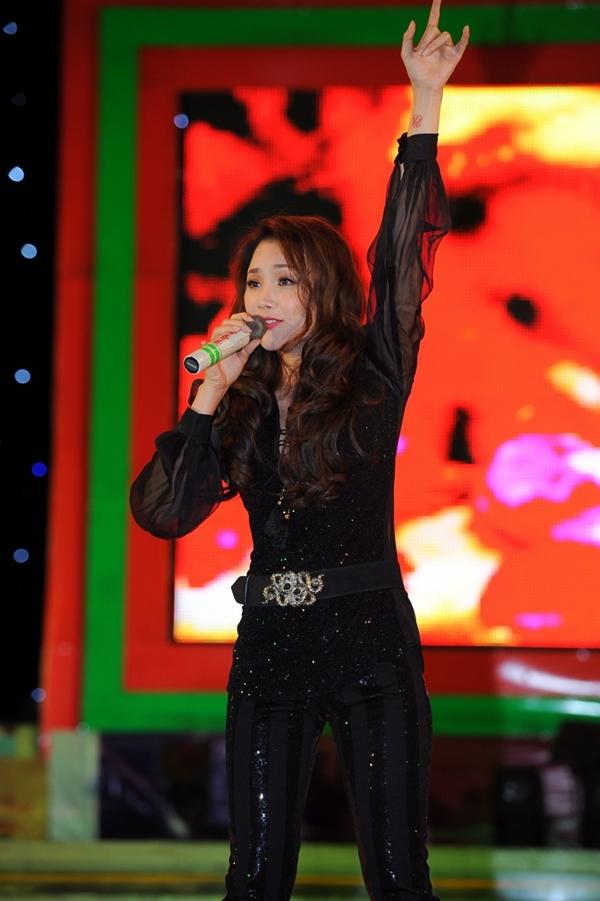 Hương Tràm tái xuất cùng dàn thí sinh The Voice 13