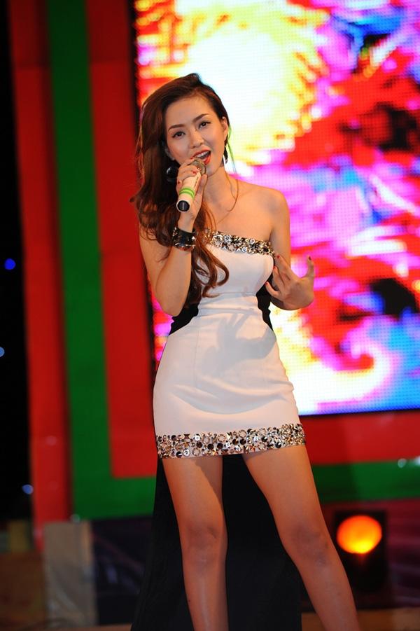 Hương Tràm tái xuất cùng dàn thí sinh The Voice 11