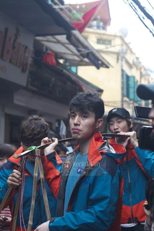 """Toàn cảnh ngày ghi hình đầu tiên ở Việt Nam của """"Running Man"""" 48"""