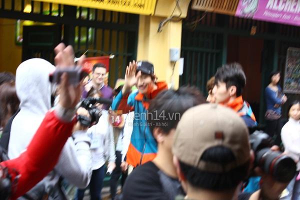 """Toàn cảnh ngày ghi hình đầu tiên ở Việt Nam của """"Running Man"""" 24"""