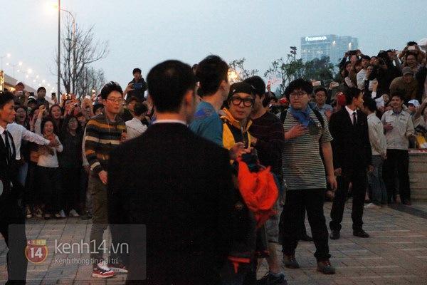 """Toàn cảnh ngày ghi hình đầu tiên ở Việt Nam của """"Running Man"""" 72"""