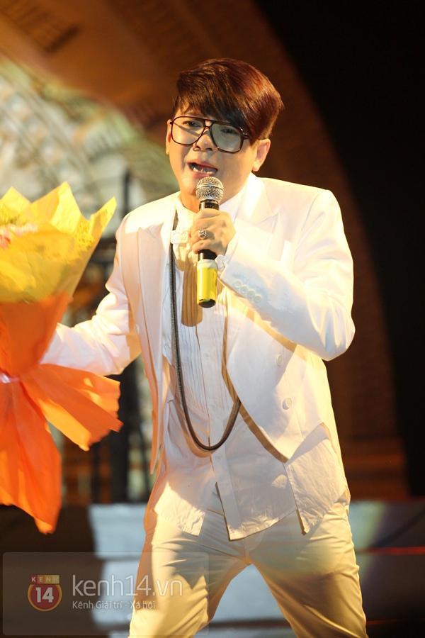 Lâm Chi Khanh, Hương Giang Idol đối lập trên sân khấu 14