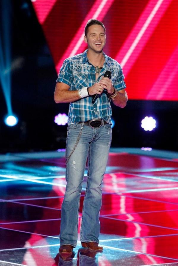 """The Voice US: Adam """"ngang nhiên"""" nẫng tay trên của Blake 1"""
