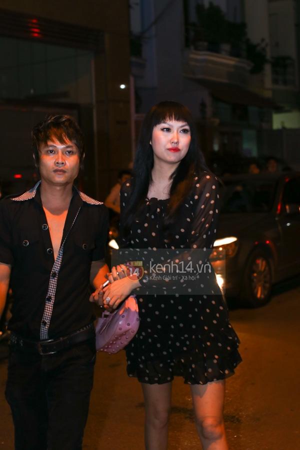 Các sao nghẹn ngào trong tang lễ toàn màu trắng của Wanbi Tuấn Anh 8