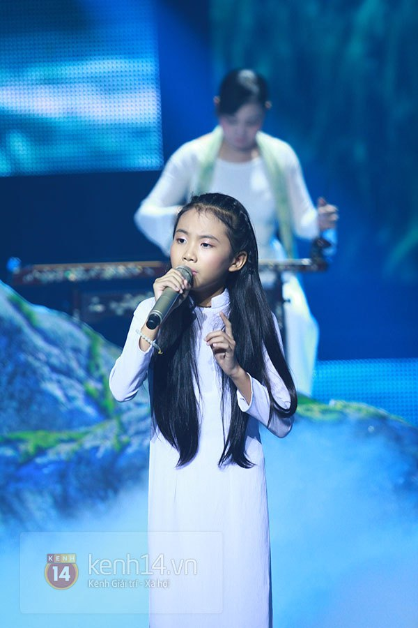 """Liveshow 2: Hồ Hoài Anh và Trấn Thành """"đấu"""" vọng cổ vì Phương Mỹ Chi 2"""