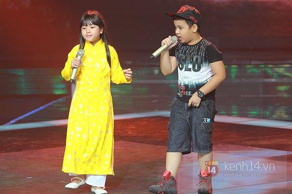 """Liveshow 2: Hồ Hoài Anh và Trấn Thành """"đấu"""" vọng cổ vì Phương Mỹ Chi 15"""