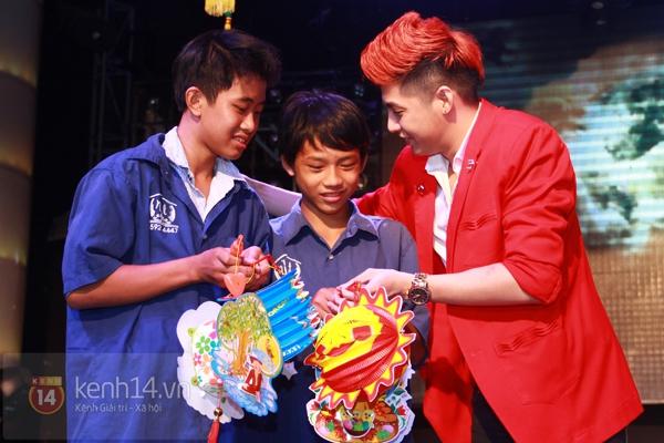 Sao Việt ủng hộ Mai Phương Thúy làm show từ thiện Trung thu 11