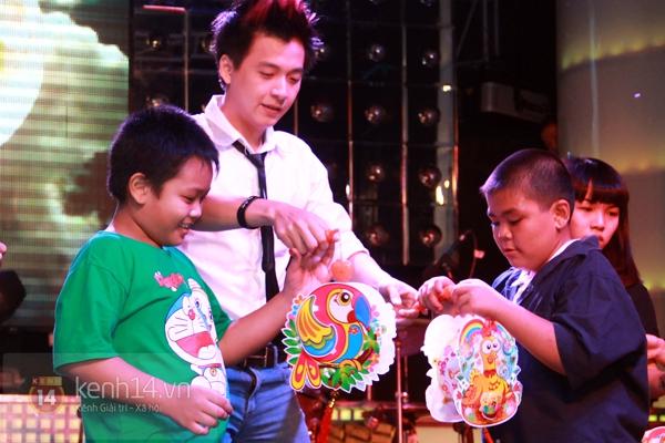 Sao Việt ủng hộ Mai Phương Thúy làm show từ thiện Trung thu 12