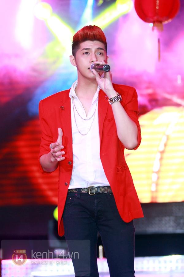 Sao Việt ủng hộ Mai Phương Thúy làm show từ thiện Trung thu 16
