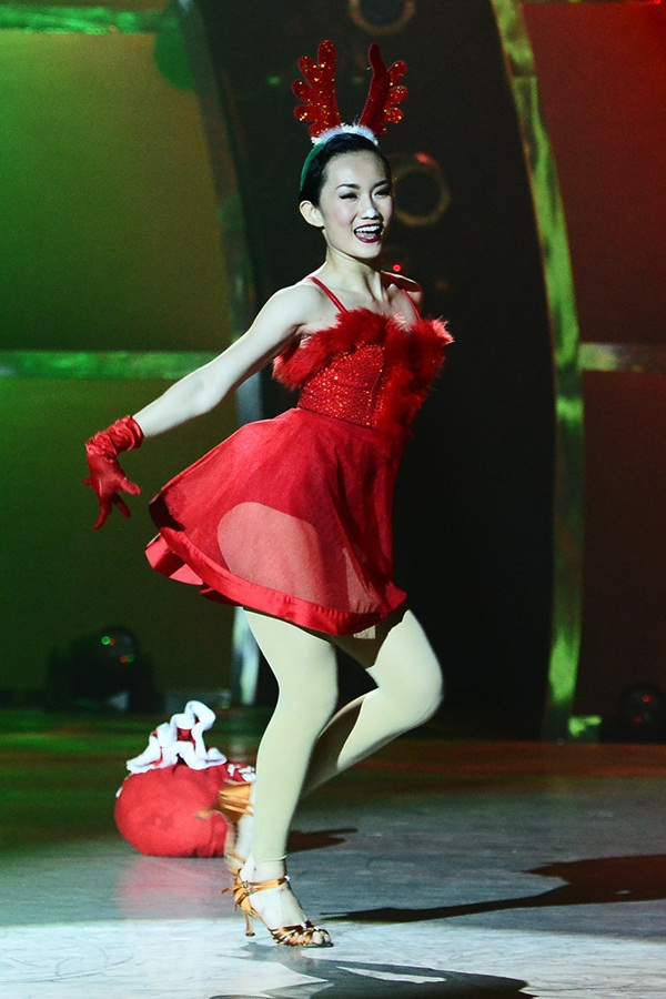 """Thí sinh """"So You Think You Can Dance"""" đổ máu trên sân khấu Chung kết 17"""
