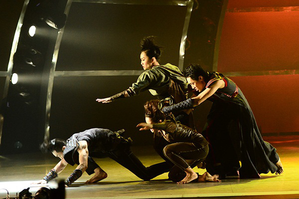 """Thí sinh """"So You Think You Can Dance"""" đổ máu trên sân khấu Chung kết 34"""
